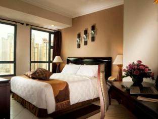 Grand Tropic Suites Hotel