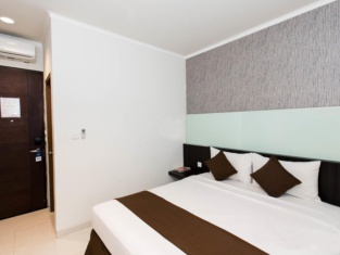 Hotel 88 Embong Kenongo - Kayun