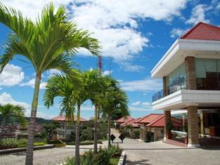 บูกิตรันดู - โรงแรมและร้านอาหาร