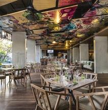 巴厘岛岛沙努尔艺术酒店