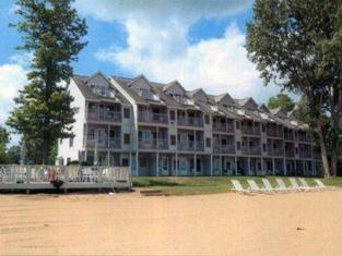 Charming 1BR North Shore Inn Condo on World Class Lake Michigan Shoreline!