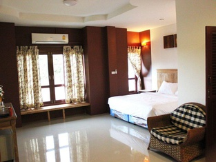 Yellow Tique Hotel