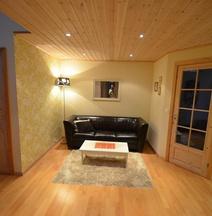 Eysturland Lodge