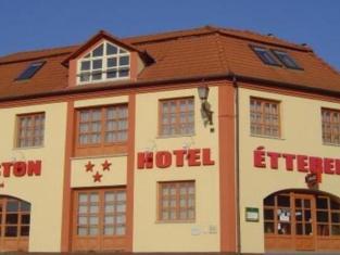 Agoston Hotel
