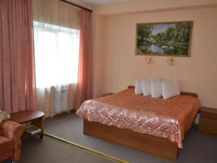 Yakhont Hotel
