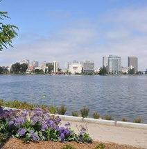 Americas Best Value Inn - Downtown Oakland/Lake Merritt