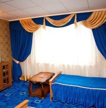 Khanto Hotel