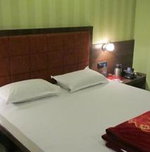 Hotel Bhammars Inn- Pure Veg.