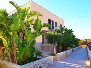 Oasis Hotel Residence & Resort