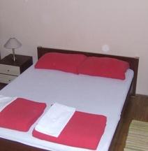 Monaco Inn