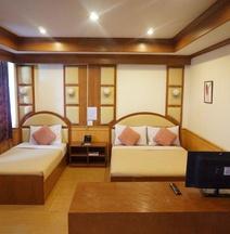 Supak Hotel