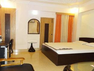 Hotel Nesh Inn
