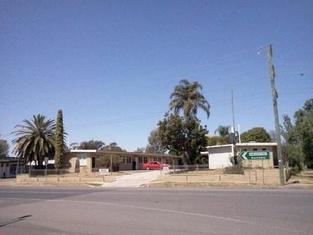 Cottonfields Motel