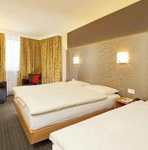 โรงแรมเมโทรโปล บาเซิล