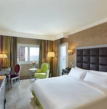 Hilton Alexandria Corniche
