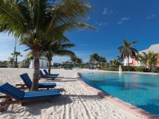 Sandyport Beach Resort