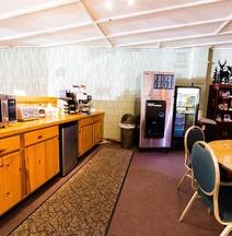 Hiawatha Lodge Inn