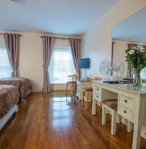 Muskerry Arms Bar and B&B