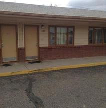 Ski's Western Motel