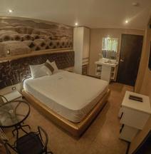 Qollana Business Hotel