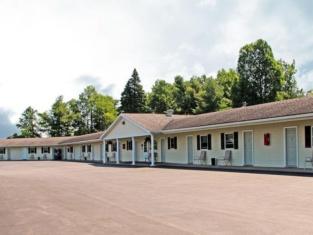 Potsdam Inn