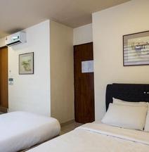 Goldbrick Hotel