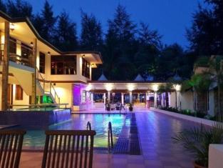 Al Safina Kijal Beach Resort