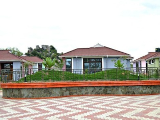 Samanene Beach Hotel