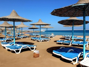 Royal Lagoons Aqua Park Resort - Families and Couples Only