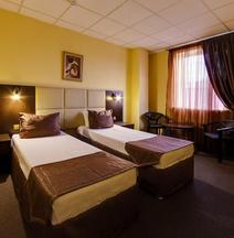 Hotel Marton Severnaya
