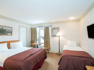 Mountainside Adjoining Rooms