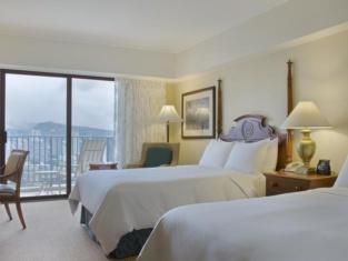Upea Kalia Suites / 27. Heinäkuuta - 3. Elokuuta / Hilton Hawaiian Village Resort Access