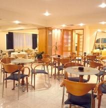 普雷韦扎城市酒店