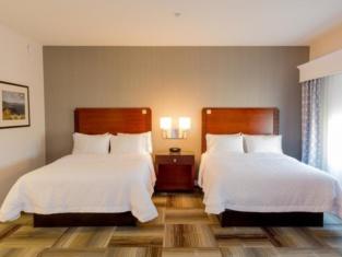 Hampton Inn & Suites Riverside/Corona East