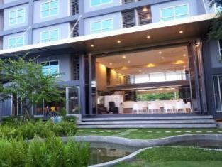 A+ Hotel