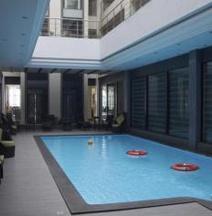 Hotel Suba Grand