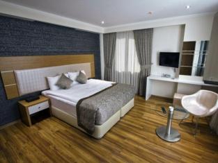 Edis Premier Hotel