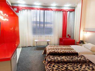 Seven Eleven Most City Hotel&SKYTECH