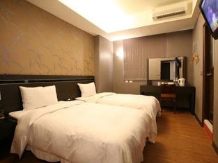 Military75 Hotel