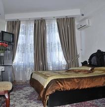Bella Donna Hotel