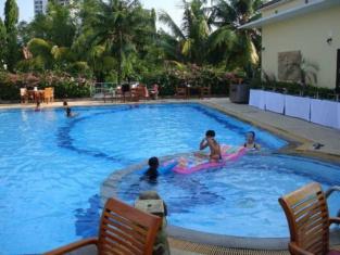 The Royal Tropical Beach At Vip Chain Resort