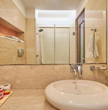 Capital O 467 Hotel Livasa Inn