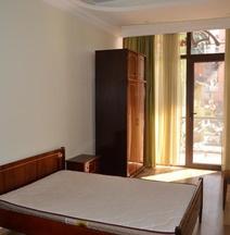 Hotel Amirani