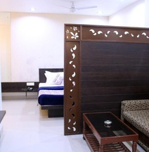 Hotel Aarya Inn