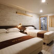 I.Y Hotel