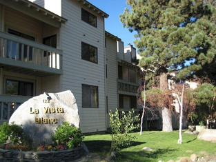 La Vista Blanc by Mammoth Reservation Bureau