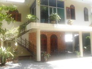 Savinrose Safari Hotel