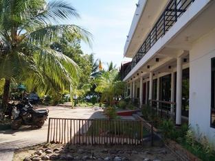 โรงแรม นิว ซันไรซ์ แบตติคาโล