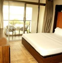Apaar Hotel