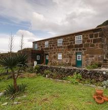Caldeira Guesthouse